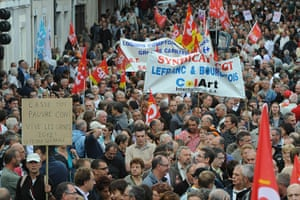French Strikes: People demonstrate in le Mans