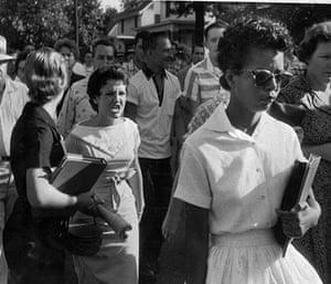 Little Rock: Students shout insults at Elizabeth Eckford
