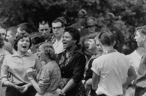 Little Rock: African American and white students cheer