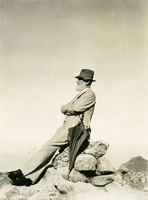 George Bernard Shaw: GB Shaw sits in profile on the summit of Table Mountain