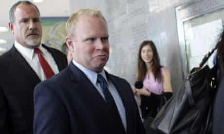 Former JetBlue flight attendant Steven Slater arrives at Queens criminal court