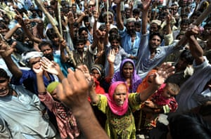 Pakistan Flooding Update: Internally displaced Pakistani people protest shortage of relief