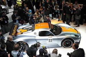 Detroit Auto Show: Journalists get a look a the new Porsche 918 RSR sports car