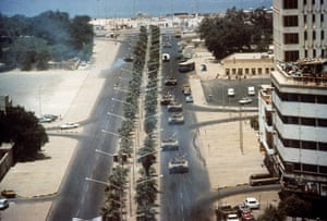 Gulf War: August 2, 1990: Iraqi tanks during the invasion of Kuwait City