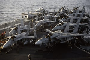 Gulf War: October 1990: The American aircraft carrier USS Saratoga on the Red Sea