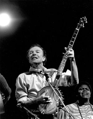 George Pickow: Photo of Pete Seeger