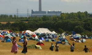 Protesters near the Kingsnorth power station in 2008
