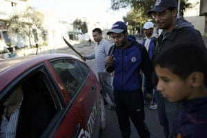 Tunisia: Residents check cars in Tunis