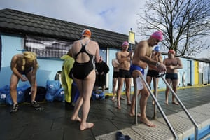 Cold water swimming: Swimmers prepare to take part in the endurance race