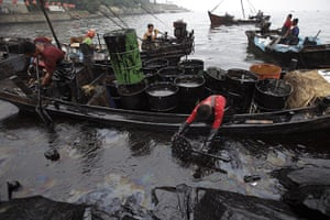 2010 Environment in China: Dalian oil spill
