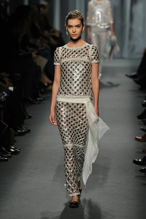 Paris haute couture chanel and givenchy in pictures for Haute couture pronounce