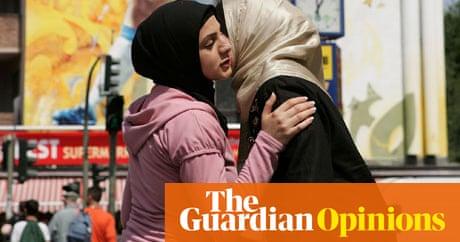 tug-war-lesbian-muslim-girls-amateur