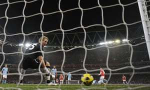 Arsenal v Manchester City: Fabregas' shot hits the post