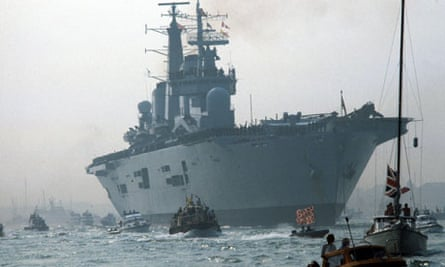 HMS Invincible returns to Britain in 1982