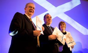 Alex Salmond announces a white paper paving the way for a referendum on Scottish independence