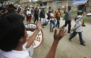 Bolivia Tipnis protests: 7 October: Bolivian indigenous people from TIPNIS arrive at Caranavi