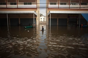 24 Hours: Bangkok Braces For Worse Flooding As Tides Peak