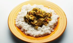 Chicken and pistachio curry