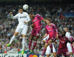 Tuesday Champions League: Ronaldo sets up Benzema's goal with a header