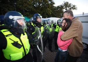 Dale farm eviction: Residents are confronted by police