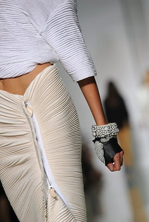 Kanye West Paris Fashion: Dw by Kanye West Spring/Summer 2012 at Paris Fashion Week