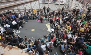 Police prepare to arrest demonstrators during the Occupy Wall Street movement, Brooklyn Bridge