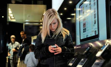 A customer tests a Nokia mobile phone