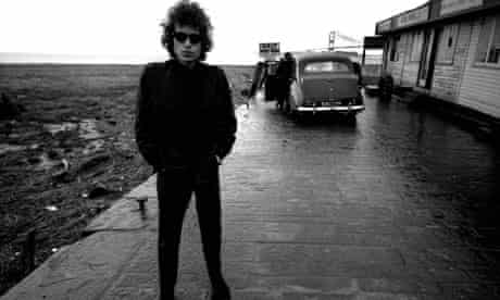 Barry Feinstein's iconic photograph of Bob Dylan at the Aust ferry terminal in 1966