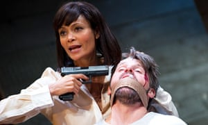 Thandie Newton as Paulina and Anthony Calf as Roberto in Death and the Maiden