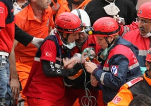 Turkey earthquake: Rescue workers carry Azra Karaduman, a two-week-old baby