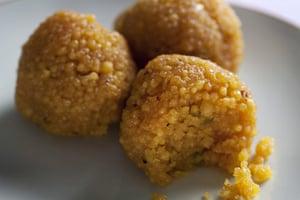 Diwali sweets: Laddoos (laddu)