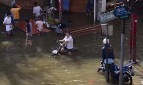 Bangkok faces new flood threat, warns Thailand prime minister