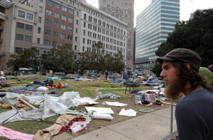 occupy oakland clashes: police shut down occupy oakland encampment