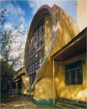 Soviet Art & Architecture: Gosplan Garage designed by Konstatin Melnikov at the Royal Academy