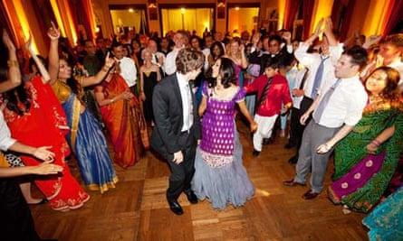 Family Life wedding dance