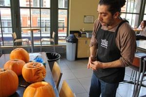 Halloween pumpkin carving: Halloween pumkin carving 4