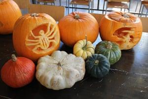 Halloween pumpkin carving: Halloween pumkin carving 10