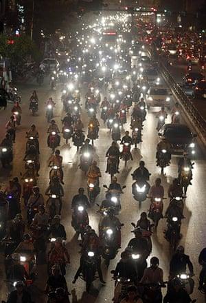 24 Hours: Hanoi, Vietnam: Commuters at rush hour