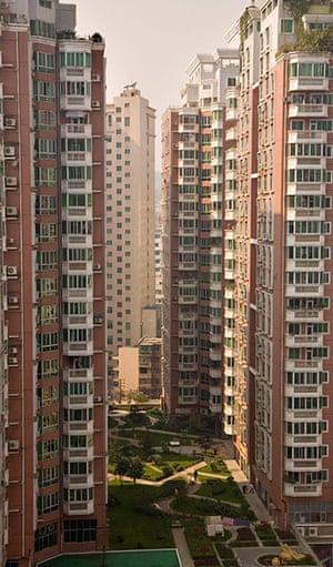 Guiyang urbanisation: Very tall residential apartment buildings in Guiyang