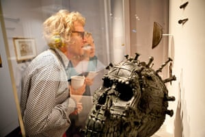 Grayson Perry: Grayson Perry, Head of a Fallen Giant, 2008