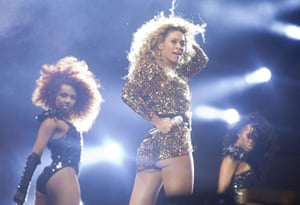 Uk Festivals Exhibition: Beyonce performs at Glastonbury 2011