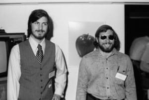 steve jobs dies: 16 or 17 April 1977: Steve Jobs and Steve Wozniak
