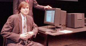 steve jobs dies: 30 March 1989: Steve Jobs as chairman of NeXT Computer