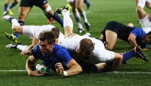 England v France: Vincent Clerc scores a try for England