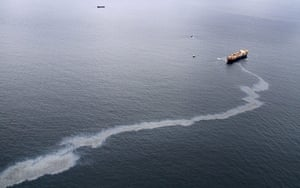 New Zealand oil spill: Oil Spill Grows In New Zealand