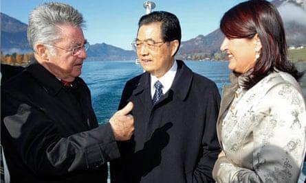 Austrian President Fischer talks to  Hu