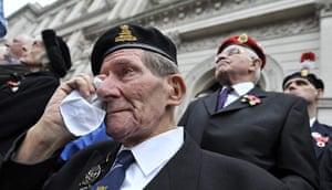 Armistice day update: World War II veteran Armistice Day remembrance service at the Cenotaph