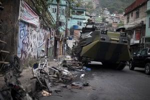 Rio raid: navy armoured vehicle