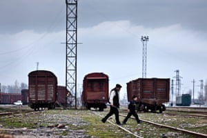 After the thaw: Azerbaijan: Interanlly displaced people in Dordyol by trains they call home