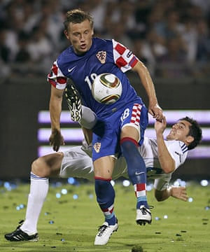 Euro 2012 qualifiers: Israel's Tamir Cohen fights for the ball with Croatia's Ivica Oli